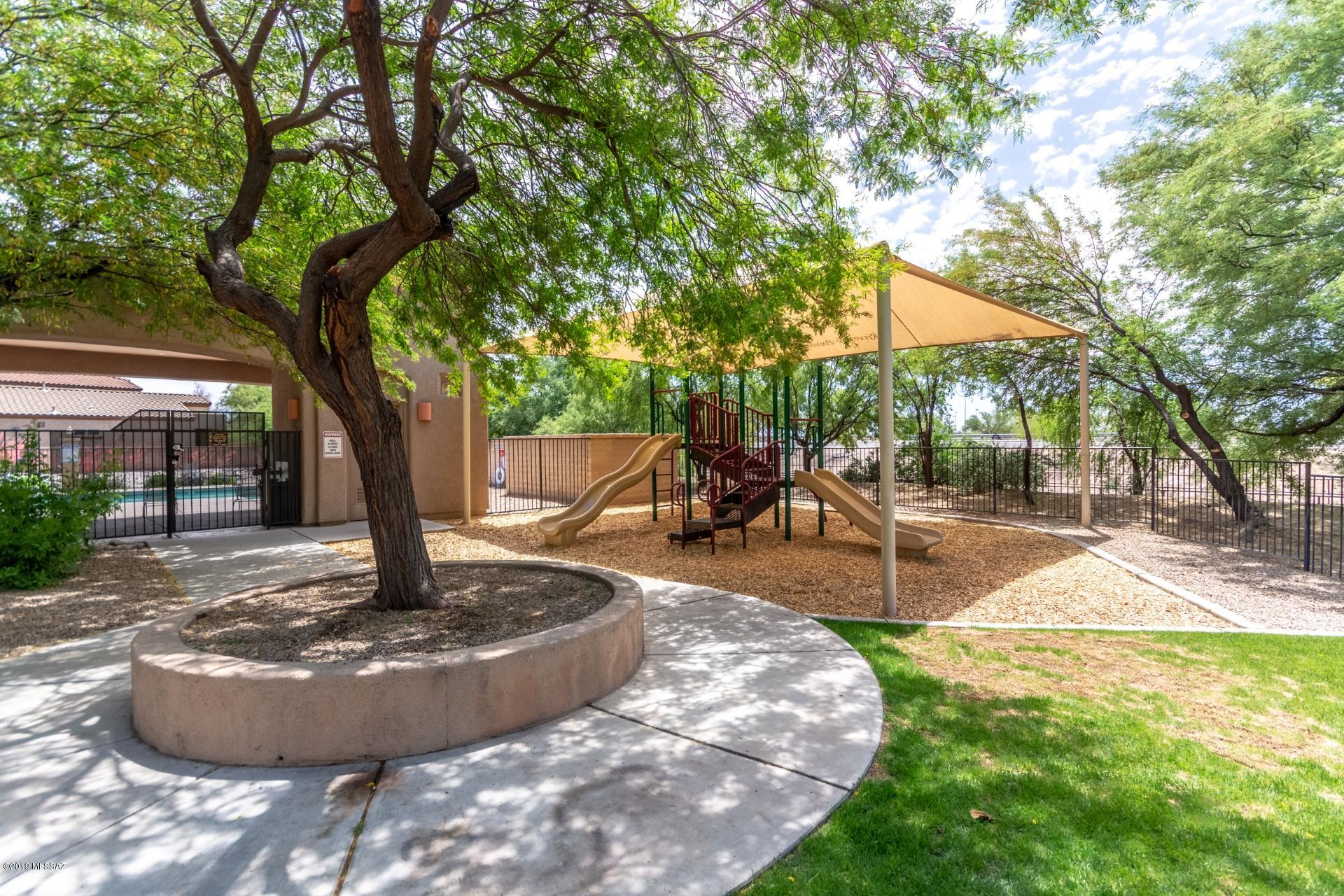 2256 W Floral Cliff Way-25