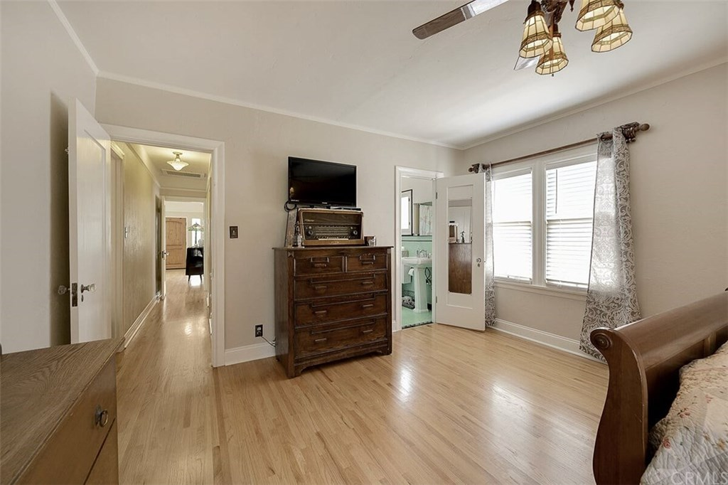 529 W Whiting Avenue-7