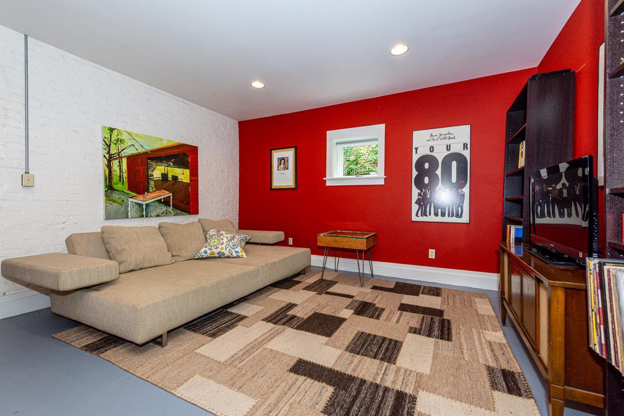 1404  Armstrong Ave-22