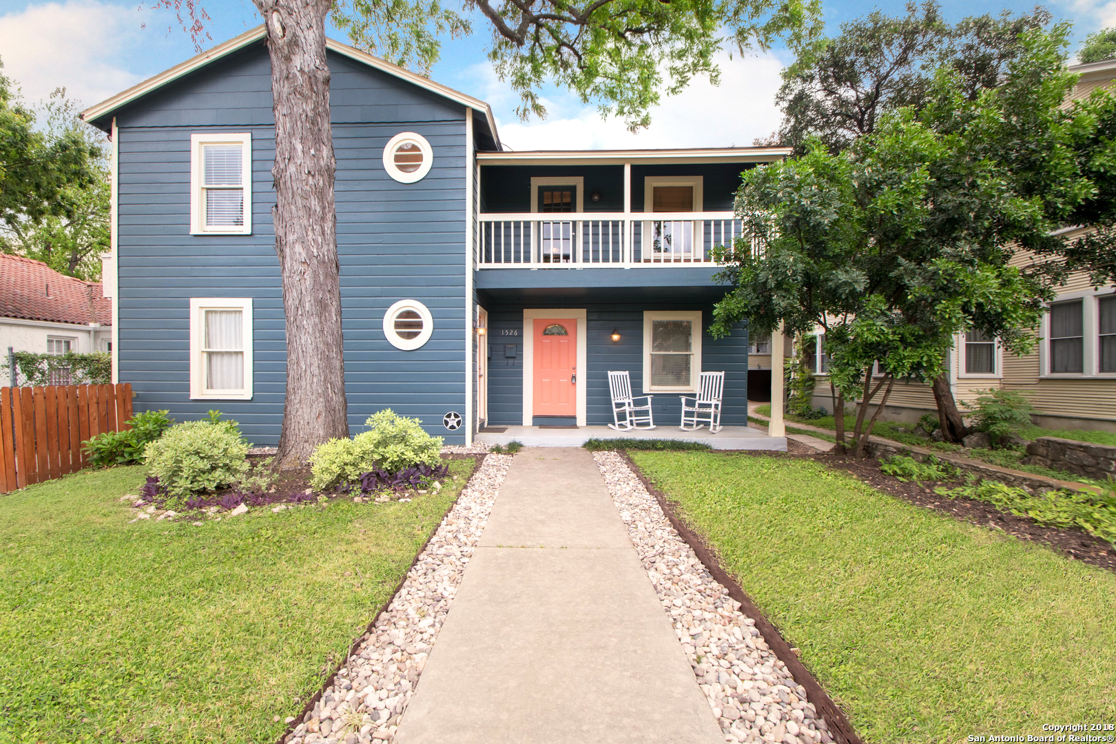 1526 W HUISACHE AVE-3